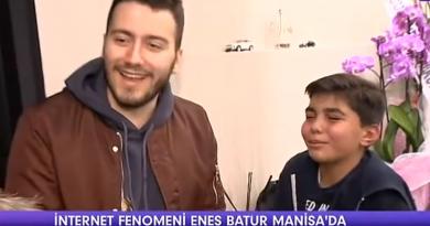 Enes Batur Manisa ' da Sinema Açılışında Ortalık Karıştı
